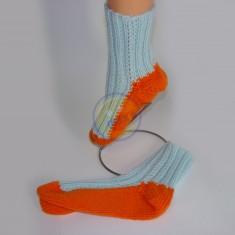 Ponožky dámské oranžové s modrými pruhy